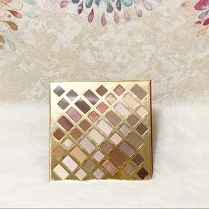 Cargo Multi-Color Eyeshadow PaletteWith Mirror